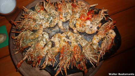 """Los camarones a la piedra, una especialidad de Sonccollay, son llamados """"Kanka Yukra"""""""